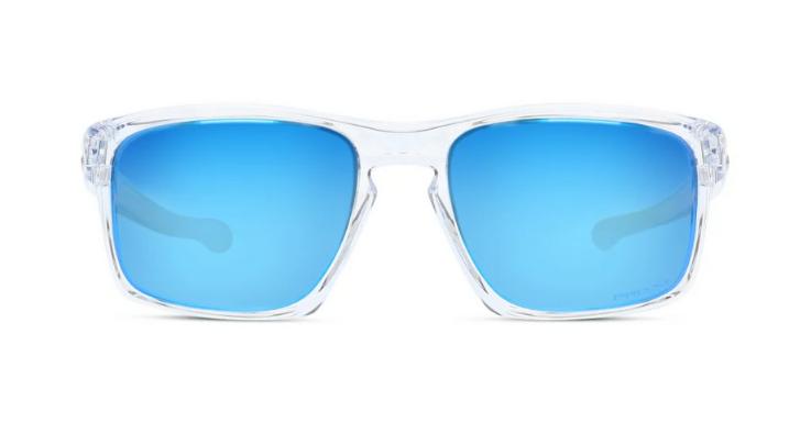 Leicht und transparent, strahlt dieses Modell von Oakley auf den ersten Blick Sportlichkeit aus