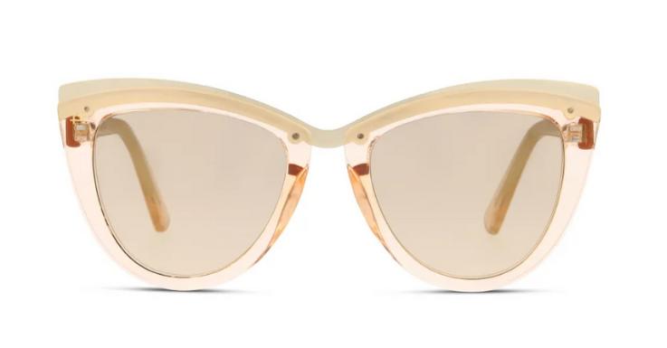 The Celeste von Privé Revaux vereint gleich drei Trends: Transparenz, Pastelltöne und Cat-Eye