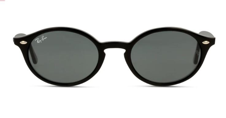 Wie du diese Ray-Ban kombinieren kannst? Schmale 90er-Sonnenbrillen passen perfekt zu Oversized-Blazern und Cropped Tops.