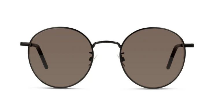 Für fitnessbegeisterte Bücherwürmer, belesene Sportskanonen und alles dazwischen: Die runde Sonnenbrille von Saint Laurent passt perfekt zu Klagenfurt (