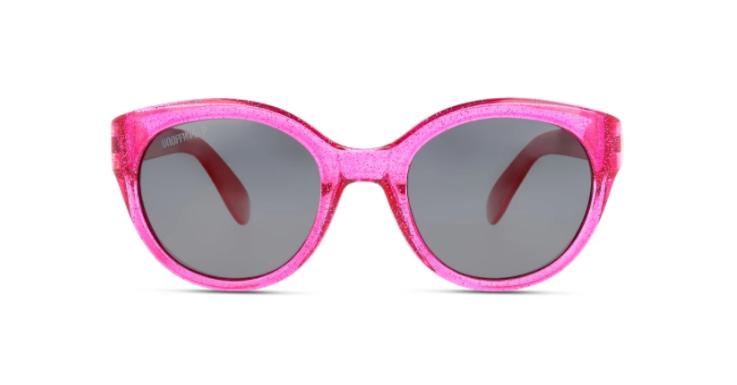 Zum Tragen dieser schicken Sonnenbrille von UNOFFICIAL müssen Kinder gar nicht erst überredet werden