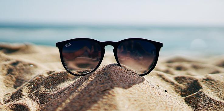 Panto-Brille im klassischen Schwarz
