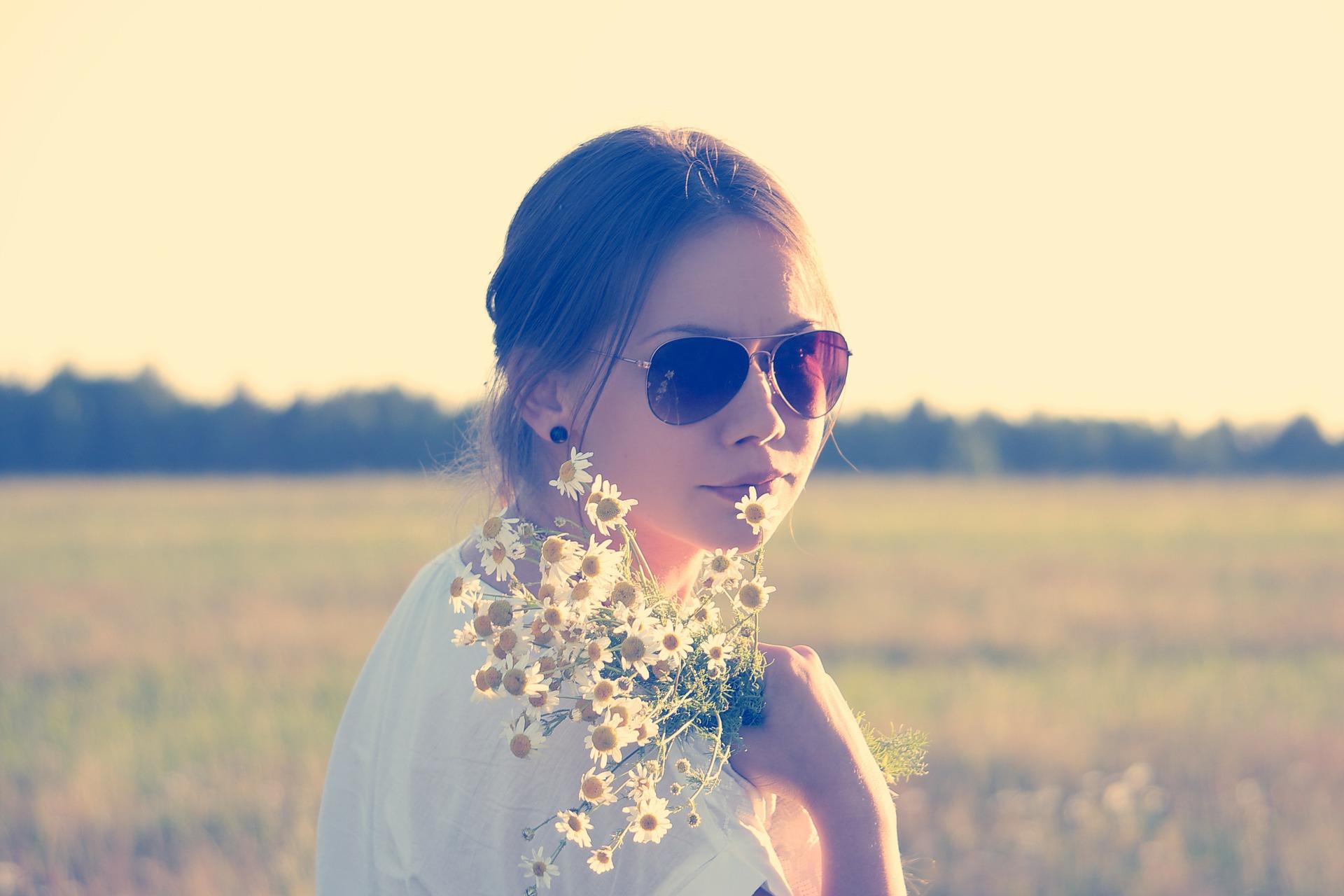 Kontaktlinsen mit UV-Schutz ersetzen Sonnenbrillen nicht