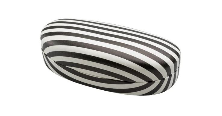 Die Farbkombination Schwarz-Weiß geht immer. Dieses Hartschalenetui schützt jede Brille zuverlässig und sieht auch noch toll aus
