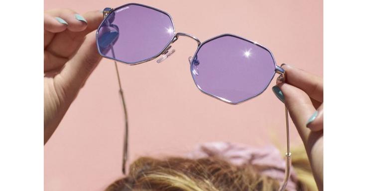 Lila ist die beste Glasfarbe für alle, die viel Zeit im Freien verbringen (Sonnenbrille: Unofficial).