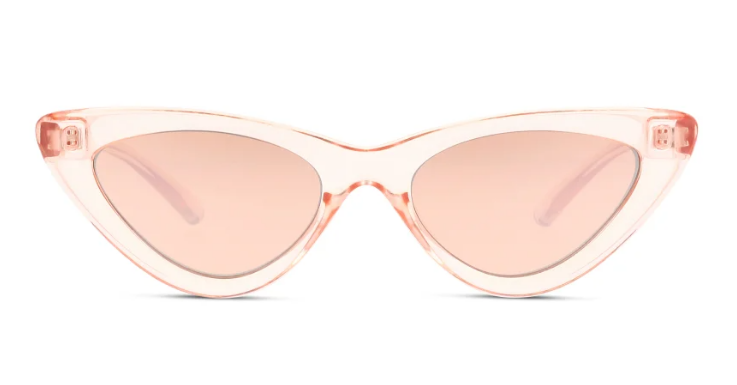 Transparent, futuristisch … und dennoch ist die ursprüngliche Form aus den 50ern zu erkennen: Cat-Eye-Sonnenbrille von SEEN