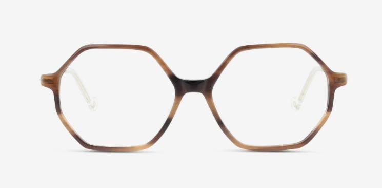 Schon auf den ersten Blick sieht man, dass die Brille von Unoffical jeden Look besonders macht