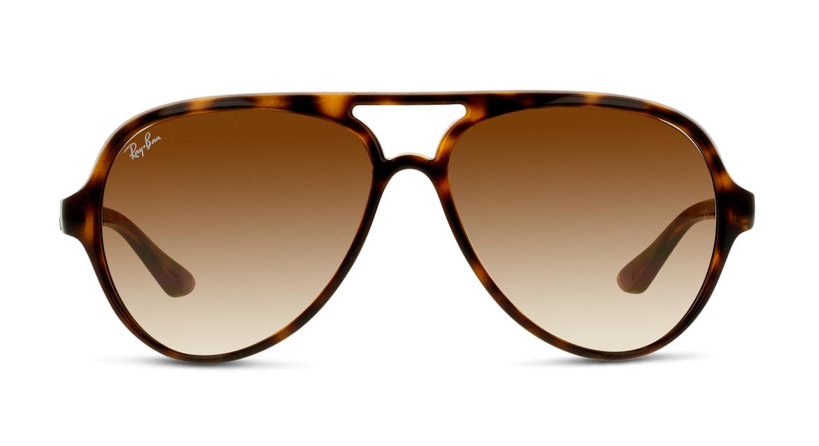 Ray-Ban ist DIE Marke für Pilotenbrillen. Dieses Modell für Herren in Havanna ist aus superleichtem Kunststoff.